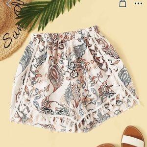 Floral shorts - flowy